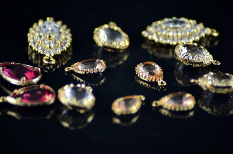 Tout savoir sur la vente de bijoux anciens